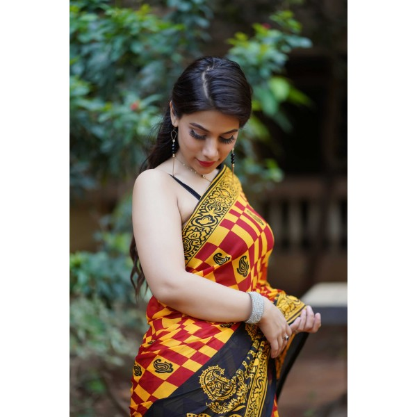 Checkered, Printed Daily Wear Georgette Saree  (Multicolor)