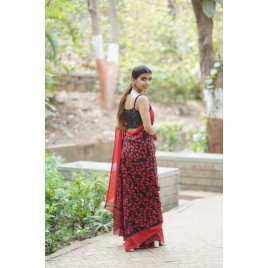 Floral Print Daily Wear Georgette Saree  (Red, Black)