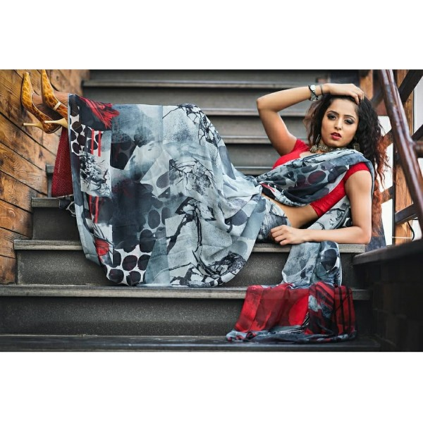 Ombre, Floral Print Daily Wear Georgette Saree  (Grey)
