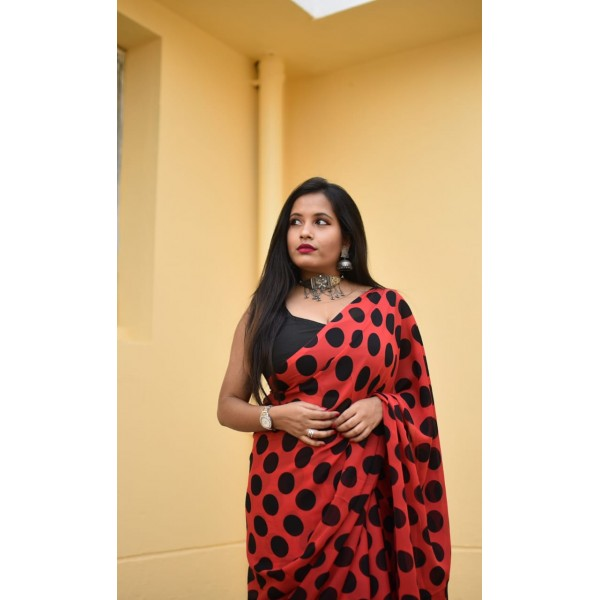 Polka Print, Printed Daily Wear Georgette Saree  (Red, Black)