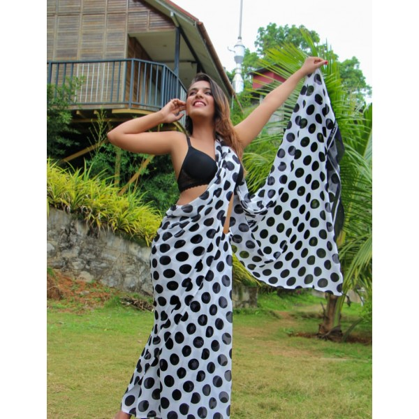 Printed Daily Wear Georgette Saree  (White, Black)